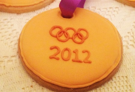 Have a baking marathon! Fun Olympic cookies and speedy cupcakes recipes