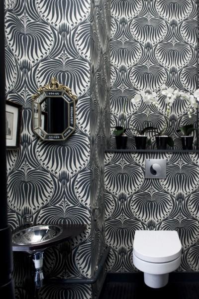 2_Farrow and Ball_Lotus Black And White Wallpaper Bathroom