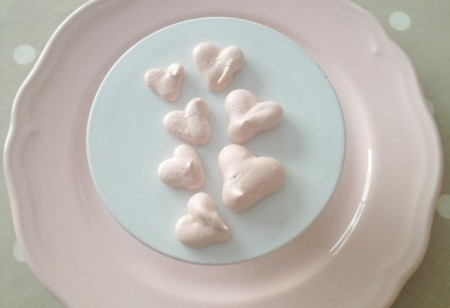 Treat yourself with Valentine's Day mini meringue love hearts