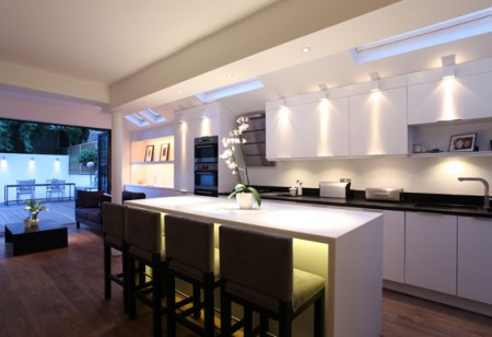 8 Expert Tips for Lavish Lighting in the Kitchen