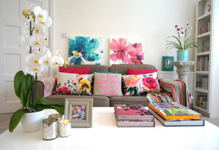 Gorgeous Home Guide: an artist's pretty, feminine home