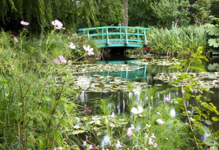 Tour Monet's famous garden in France