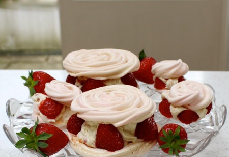 Welcome Wimbledon Tennis 2013 with this Mini Strawberry Rose Pavlova recipe