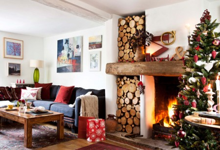 Gorgeous Home Guide: Tour this charming Christmassy interior